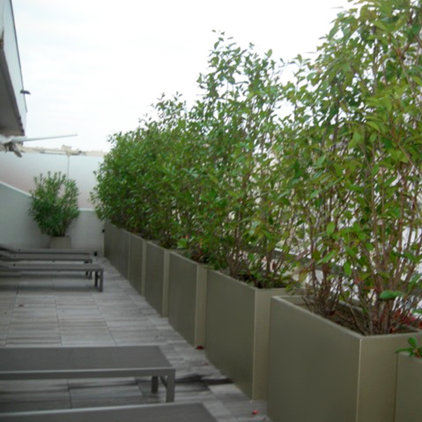 Grande jardini re r sine polyester hauteur 60 cm bacs - Jardiniere etroite ...