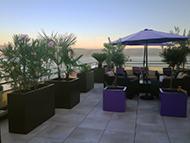 Bacs à plantes pour aménager une terrasse en Corse
